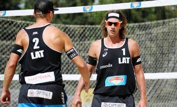 Samoilovs un Šmēdiņš iekļūst Longbīčas 'Grand Slam' turnīra izslēgšanas spēlēs