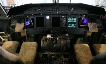 'Germanwings' pilots pirms avārijas pametis kabīni un nav varējis atgriezties, pieļauj izmeklētāji