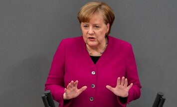 Merkele kritizē Turcijas uzbrukumu Afrīnai