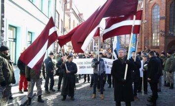 Krievijas ĀM nosoda Latviju par leģionāru piemiņas gājienu