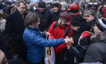 Активисты в США обвинили в украинском майдане Обаму и Сороса