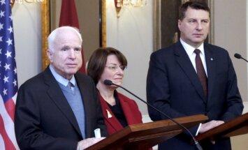 Putinam būs jāatbild par iejaukšanos ASV vēlēšanās, paziņo ASV senatori