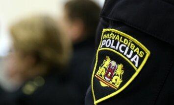Policisti hostelī Rīgā pieķer nelegāli nodarbinātu personu