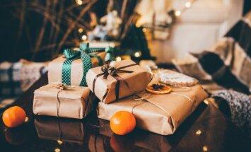 Feinas idejas, kā iesaiņot dāvanas no tā, kas atrodams mājās