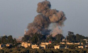 Izraēla notriekusi Sīrijas kaujas lidmašīnu