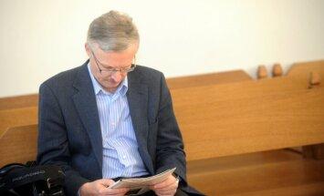 Edmunds Krastiņš tiesā: Lembergs Ventspils brīvostā bija autoritārs vadītājs