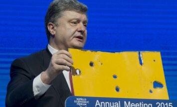 Porošenko: Ukrainas robežu šodien šķērsojuši 2000 Krievijas karavīru