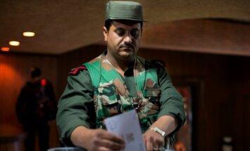Sīrijā valdības kontrolētajos apgabalos notiek parlamenta vēlēšanas
