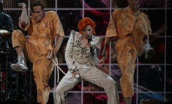 Noskaties! Lady Gaga 'Grammy' ceremonijā godina Deividu Boviju