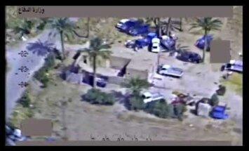 Iespaidīgs video: Kā ASV gaisa spēki trenkāja bēgošu džihādistu armiju