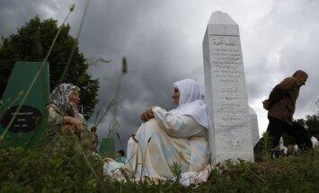 Bosnijas serbi lūgs Krieviju izmantot veto tiesības pret ANO Srebrenicas rezolūciju