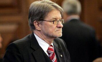 Parlamenta Ārlietu komisijas deputāti Sprūda neielaišanu Krievijā vērtē negatīvi