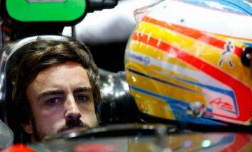 'Mercedes' apstiprina interesi par Fernando Alonso
