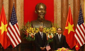 ASV prezidents atceļ Vjetnamai noteikto ieroču embargo