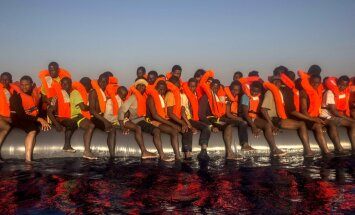 Eiropā krasi pieaugšot slepeni ieceļojušo migrantu proporcija