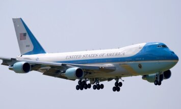 Трамп требует отменить заказ на новый президентский самолет