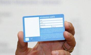 Pasažieris 'Rīdzinieka kartē' nevar ielādēt stundu biļeti; RS aicina plānot braucienus