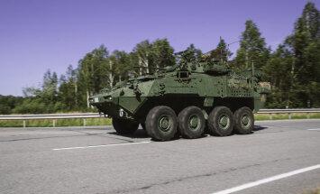ФОТО, ВИДЕО: На дорогах Латвии — большое число военной техники, возможны пробки