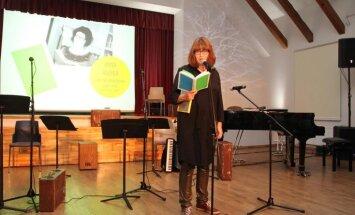 Ojāra Vācieša literārā prēmija dzejā piešķirta Annai Auziņai