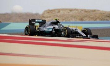 Rosbergs triumfē Krievijas 'Grand Prix' kvalifikācijā