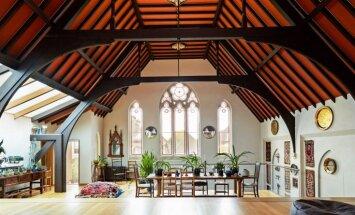 Foto: Kādreizējais dievnams atjaunots par iespaidīgu dzīvojamo māju