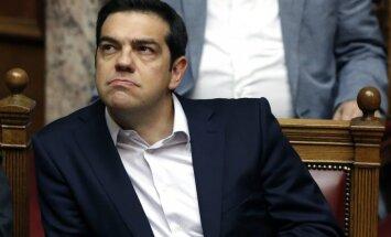Medijs: Grieķija kļūs par pirmo industriāli attīstīto valsti, kas nespēj savlaicīgi dzēst SVF parādus
