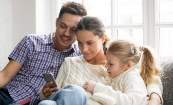 Būt par vecākiem interneta laikmetā: kā sociālie tīkli ietekmē bērnu audzināšanu