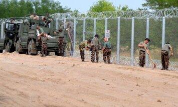 Ungārija žogu gar Serbijas robežu pabeigšot būvēt līdz novembrim