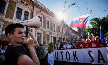 Slovāki protestē pret valdības korupciju