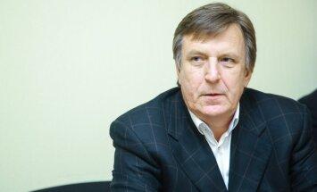 ZZS neformāli vienojusies par Kučinska virzīšanu premjera amatam, vēsta raidījums