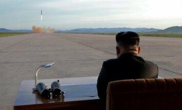 Ziemeļkoreja pirms Trampa ierašanās Āzijā noraida runas par atbruņošanos