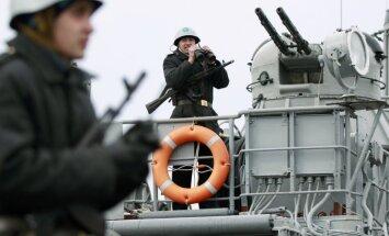 Piektdien paiet ultimāta termiņš Ukrainas militāristiem Krimā; karavīri saspringti gaida Kijevas lēmumu