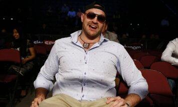ESPN: Fjūrijs pieķerts kokaīna lietošanā un var zaudēt čempiona jostas