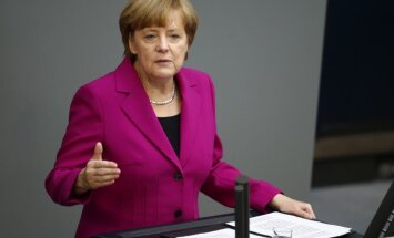 Меркель: саммит ЕС обсудит возможные санкции против РФ