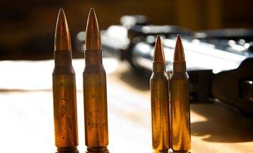 Septiņas valstis piekritušas piegādāt ieročus un ekipējumu kurdu spēkiem Irākā