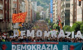 Vairāk nekā 700 Katalonijas mēri Barselonā apliecina atbalstu neatkarības referendumam
