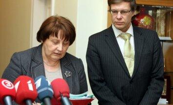 Cilinskis piedalīsies 16.marta pasākumos; Straujuma šodien viņu atlaidīs no ministra amata