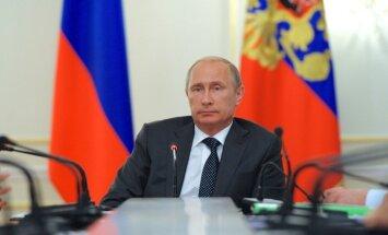 Putins vēl paliks pie varas, paredz ES misijas vadītājs Krievijā