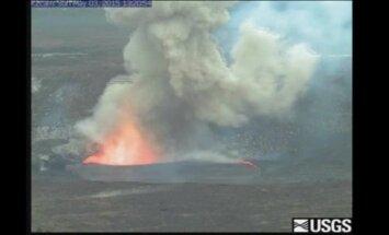 Video: Havaju salās eksplodē burbuļojošs vulkāns