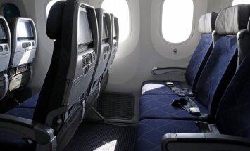 ASV aviokompānija izmaksās kompensāciju par apčurātu sēdvietu