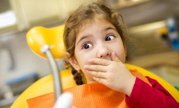 Pētījums: Jo lielākas bailes no zobārsta ir vecākiem, jo stiprākas tās būs bērnam