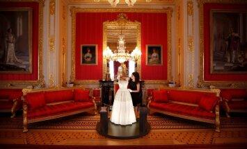 Foto: Karalienes Elizabetes II greznāko un zīmīgāko tērpu kolekcija