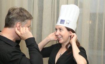 Foto: Populāri aktieri gatavo smalkus našķus