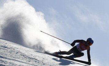 Kalnu slēpotāja Gasūna Phjončhanas spēļu milzu slalomā finišē 43. vietā