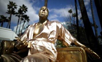 Vainstīna statuja, fani un sarkanais paklājs. Holivuda gatavojas 'Oskariem'