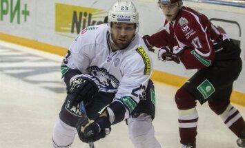 KHL diskvalificē 'Medveščak' prezidentu spēlētājiem neizmaksāto algu dēļ