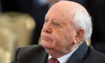 Pasaule sasniegusi bīstamu punktu, brīdina Gorbačovs