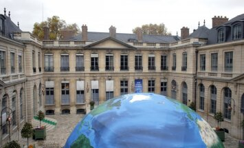 Obama un Olands atbalsta 'ambiciozu' vienošanos par klimata izmaiņu ierobežošanu