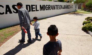 Трамп настаивает на высылке нелегальных мигрантов без суда