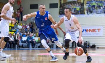 'Jūrmalas' basketbolisti ar sekmīgu otro puslaiku LBL mačā pārspēj 'Jēkabpili'